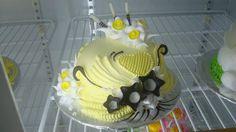 Cake Tutorial, Cream Cake, Fondant Cakes, Type 3, Tutorials, Chocolate, Facebook, Yellow, Desserts