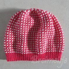 Muts breien voor beginners - een gratis patroon van Breimeisje Knitting Patterns Free, Baby Knitting, Free Pattern, Free Knitting, Mitten Gloves, Mittens, Motif Simple, Knitted Hats, Knitted Scarves