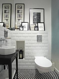 moderne Badezimmer von Deeco 3 Modern Small Bathroom Ideas - Great Bathroom Renovation Ideas That Wi White Bathroom, Bathroom Interior, Small Bathroom, Bathroom Ideas, Bathroom Niche, Bathroom Pictures, Zebra Bathroom, Nature Bathroom, Target Bathroom