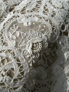 This Pin was discovered by Nan Lace Ribbon, Lace Ruffle, Lace Fabric, Ruffles, Victorian Lace, Antique Lace, Vintage Lace, Needle Lace, Bobbin Lace