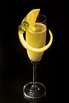 Deep South ist der Name eines Cocktails mit einer ungewöhnlichen Alkoholmischung. Schmeckt aber garnicht übel.