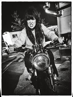 Kick out your motor and drive, while you're still alive.... kick it out! #kickitout #makelifearide #annwilson #RockHall3ForAll : '76 #Honda #CB550Four - Federal Moto US Federal Moto