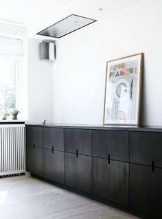 Black kitchen - via cocolapinedesign.com