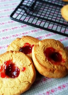 Low FODMAP & Gluten free Recipe - Jammy biscuits  http://www.ibssano.com/low_fodmap_recipe_jammy_biscuits.html
