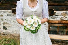 Dirndlhochzeit in weiß Alpine Style, Dirndl Dress, Wedding Dresses, Bergen, Weddings, Fashion, Dress Wedding, Wedding Dress Lace, Getting Married