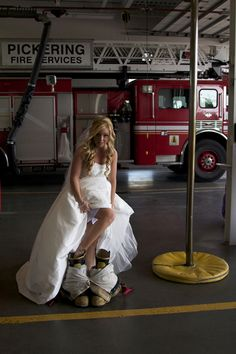 Not a firefighter but this is SOO cute. Every female firefighter should have this pic on their wedding day! Firefighter Family, Female Firefighter, Volunteer Firefighter, Firefighter Engagement Pictures, Firefighters Wife, Firemen, Firefighter Quotes, Firefighter Gifts, Engagement Pics