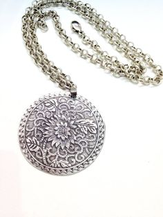 Silver Disc pendants Hammered Metal necklace ETERNITY by Chelenger