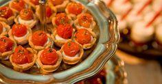 Tartelette de queijo de cabra com tomatinhos confitados; do Arroz de Festa Buffet (www.arrozdefesta.com.br)
