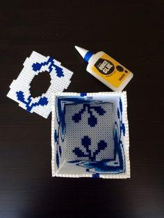 Made by Me: 3 i 1 kasse - Perleblomstskjuler, servietholder eller sparekasse i Hamaperler DIY Hama Minecraft, Hama Beads Patterns, Beading Patterns, Diy And Crafts, Arts And Crafts, Tapestry Crochet Patterns, 3d Perler Bead, Iron Beads, Melting Beads