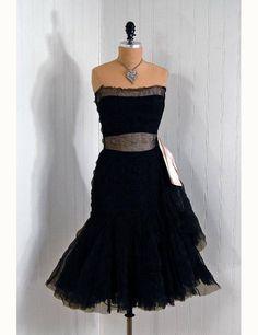 1950's Coco Chanel Haute-Couture Black & Pink Fishtail