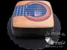 Pastel en forma de guitarra