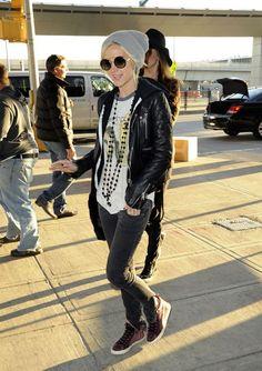 Ashlee Simpson - Chanel necklace.
