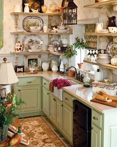Rural Splendor - Southern Woman Journal 23 Charming Cottage Kitchen Design and Adorning Concepts that Will Convey Coziness to Your Dwelling You don't . Cocina Shabby Chic, Shabby Chic Homes, Shabby Chic Decor, Shabby Cottage, Cottage Chic, Shabby Chic Kitchen Shelves, Fairytale Cottage, Cottage Style Decor, Garden Cottage