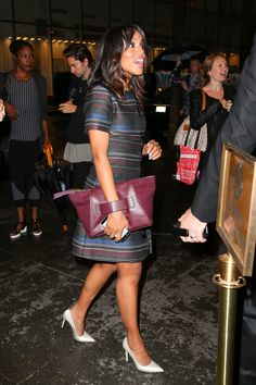 Kerry Washington seen with a purple purse as she arrives at the NBC studios in New York City Camden County, Silk Jumpsuit, Purple Purse, Olivia Pope, Kerry Washington, Deep Purple, Green Dress, Cotton Dresses, Pretty People