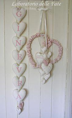 L'arrivo di una nuova piccola Principessa o di un piccolo Principe è sempre un momento emozionante sia per la famiglia che per gli amici ... Heart Crafts, Baby Crafts, Crafts For Kids, Arts And Crafts, Heart Frame, Heart Wall, Lavender Bags, Lace Heart, Baby Wall Art