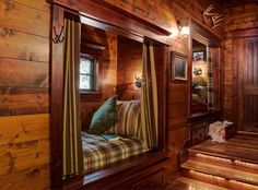 Lake House Design, Pictures, Remodel, Decor and Ideas - it's like a cabin design Bed Nook, Cozy Nook, Cozy Cabin, Alcove Bed, Guest Cabin, Cabin Homes, Log Homes, Sleeping Nook, Haus Am See
