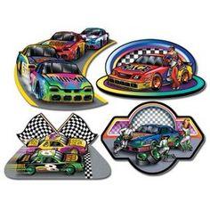 Decoratie Raceauto s cutouts -  Een set met 4 praachtige decoraties om op te hangen tijdens een sportevenement. Ook leuk voor een kinderfeest of gewoon als decoratie in een kinder of tiener slaapkamer.