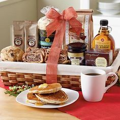 Top 10 most gifted holiday baskets - Christmas Brunch Gift Basket- Gift Baskets & Towers- Gift Baskets - Harry & David Housewarming Gift Baskets, Gourmet Gift Baskets, Basket Gift, Christmas Baskets, Christmas Brunch, Gourmet Food Gifts, Gourmet Recipes, Sourdough English Muffins, Cheese Snacks