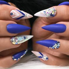 ✨ • #Repost : Picture and Nail Design by @customtnails1 Follow @customtnails1 for more gorgeous nail art designs! •