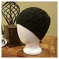 Black basketweave crochet beanie (Free Pattern)-- http://www.knotsoflove.org/patterns/