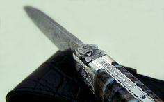 Lame Damas, Blacksmithing, Knives, Art, Men's Fashion Accessories, Knife Making, Sleeve, Pattern, Dog