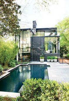 Fierro negro, piscina y terraza