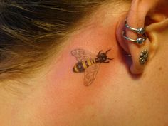 25 Fabulous Bumble Bee Tattoo Designs / of 23 Photos Mini Tattoos, Little Tattoos, Body Art Tattoos, Small Tattoos, Cool Tattoos, Honey Bee Tattoo, Bumble Bee Tattoo, Bee Tattoo Meaning, Tattoos With Meaning