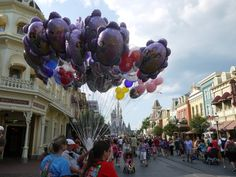 Top 10 Ways to Pay it Forward at Disney | http://www.chipandco.com/top-10-ways-pay-disney-177385/