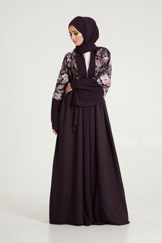 Shop a stunning selection of abayas, kimonos, hijabs & Islamic dresses for modest women with AbayaButh, the leading online store for modest Islamic fashion. Islamic Fashion, Muslim Fashion, Modest Fashion, Girl Fashion, Fashion Outfits, Modest Dresses, Modest Outfits, Abaya Designs Latest, Hijab Style