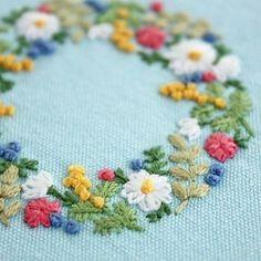 2017.1.1 . あけましておめでとうございます。 . 今年もよろしくお願い致します . . #刺繍#手刺繍#ステッチ#手芸#embroidery#handembroidery#stitching#자수#broderie#bordado#вишивка#stickerei#花の刺繍