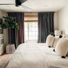 Masterbedroom casual bedroom, cozy bedroom, b Cozy Bedroom, Home Decor Bedroom, Modern Bedroom, Casual Bedroom, Bedroom Furniture, Bedroom Ideas, White Rustic Bedroom, Arrange Furniture, Simple Bedroom Design