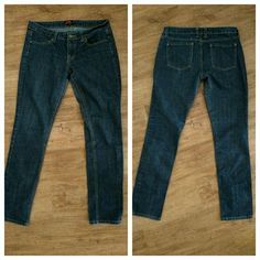 Forever 21 skinny jeans 29 blue denim Lightly used and freshly washed they measure about 32x32 Forever 21 Jeans Skinny