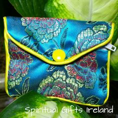 Handcrafted Satin Purse Turquoise. These gorgeous handmade satin purses are perfect for storing all your crystals and gems. Available in turquoise, gold and red. The inner zipped compartment makes them super safe for travel. Size: 83mm x 68mm Available in 3 colours: Turquoise, Red, Gold. Shop now at: www.spiritualgiftsireland.com Follow us on: www.facebook.com/spiritualgiftsireland www.instagram.com/spiritualgiftsireland www.etsy.com/shop/spiritualgiftireland