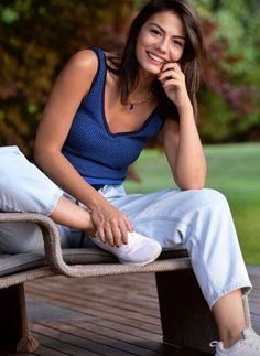 Demet Özdemir Filmography, List of Demet Özdemir Movies and TV Shows - FamousFix Turkish Women Beautiful, Turkish Beauty, Beautiful Girl Image, Winter Outfits, Cool Outfits, Casual Outfits, Holiday Outfits, Fashion Tv, Look Fashion