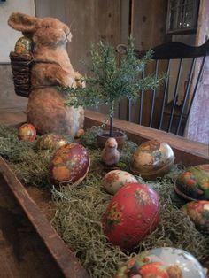 Easter centerpiece Hoppy Easter, Easter Eggs, Easter Bunny, Deco Champetre, Easter Parade, Easter Holidays, Easter Table, Vintage Easter, Easter Crafts