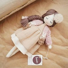 Learn how to maximise your clues about fabric dolls Doll Crafts, Diy Doll, Doll Toys, Baby Dolls, Sewing Dolls, Doll Maker, Waldorf Dolls, Soft Dolls, Cute Dolls
