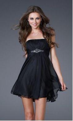 Korte zwarte strapless jurk .