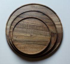 Walnut serving board, Handmade Wooden Tray, Size Ø 20 cm, Ø 25 cm, Ø 30 cm H 1.8cm #KitchenAccessory #WoodenWalnutPlate #ServingBoard #WoodenServingBoard #NaturalWoodenTray #HandmadeWoodenTray #WalnutAccessory #WalnutWoodenPlate #WoodenPlates #WalnutServingBoard