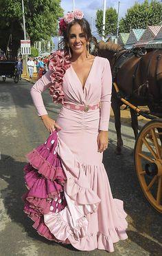 Anabel Pantoja Flamenco Party, Flamenco Costume, Flamenco Dancers, Boho Wedding Dress, Boho Dress, Wedding Dresses, Estilo Cowgirl, Mode Simple, Mother Of Groom Dresses