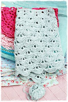 crochet kitchen towel....I could wrap homemade bread in this for gifts!