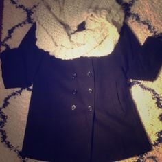 ❗️Uniqlo wool collection coat❗️ 90% wool Uniqlo coat! Warm and cozy! Used but in great condition! Great bargain UNIQLO Jackets & Coats Trench Coats