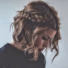 messy short waves and side braids