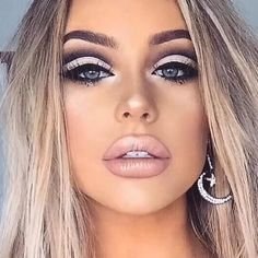 9 prom makeup looks that will make you the belle of the ball.- 9 prom makeup looks that will make you the belle of the ball 14 9 prom makeup looks that will make you the belle of the ball 14 - Beauty Make-up, Beauty Secrets, Beauty Skin, Beauty Hacks, Hair Beauty, Beauty Tips, Contour Makeup, Skin Makeup, Prom Makeup Looks