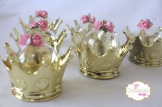 mini cúpula de coroa dourado
