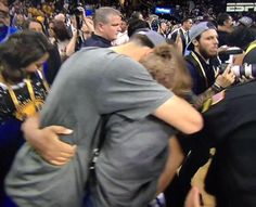 Stephen Curry and his family hugging ft. His wife Ayesha Curry and His daughter Riley Curry Family Hug, Stephen Curry Basketball, Ayesha Curry, Father Daughter Relationship, The Past