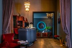 Hotel Collect is welcoming its guests with an intimate lobby bar facing Budapest's oldest park and a bohemian courtyard garden. Round Marble Table, Lobby Bar, Wicker Chairs, Modern Art Deco, Comfortable Sofa, Cool Rooms, Art Deco Fashion, Budapest, Luxury Homes
