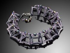 Twisted Necklace by Kathy King Beads Jewelry, Cool Necklaces, Beaded Necklaces, Jewelry King, Diy Jewelry Inspiration, Polymer Clay Jewelry, Bracelet Patterns, Bead Weaving, Jewellery Making
