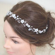 Купить Свадебный венок для прически невесты из белых цветов тонкий. - венок, свадебный венок