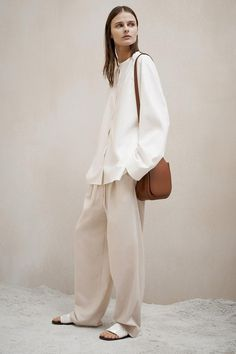similiar style with the white blouse one, can vary with long sleeve or short