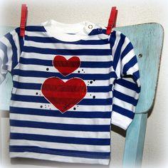 Námořnické+triko+se+srdcem+0-6+měsíců+Dětské+tričko+s+dlouhým+rukávem+a+zapínáním+na+druky,+bavlna,+180+g/m2,+český+výrobek+-+příjemný+silnější+bavlněný+úplet,+95%+bavlna+++5+%+elastan+-+barva+bílo+-+modrá,+patentky+na+ramínku+až+do+vel.80+-+ručně+malovaný+motiv+srdíčka,bílákontura,+černé+tečky+Vel.68+(0-6+měsíců)+-+krásný+a+luxusní+dárek+v+...